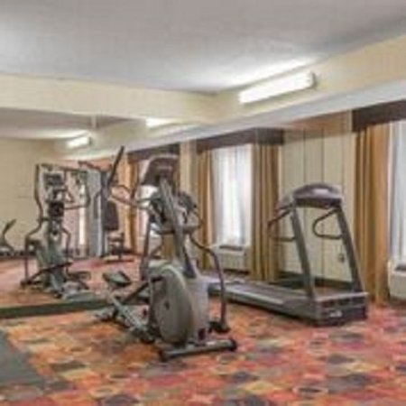 Stay Express Inn & Suites: Fitness Room