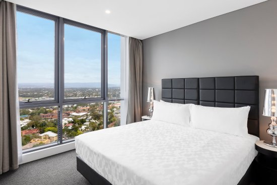Southport, Australia: Ocean Suite With Bedrooms NDBEDROOM