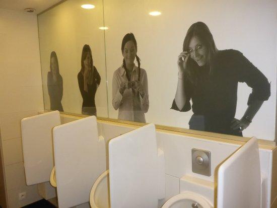 Lustige Toilette Picture Of Le Roy Despagne Brussels Tripadvisor