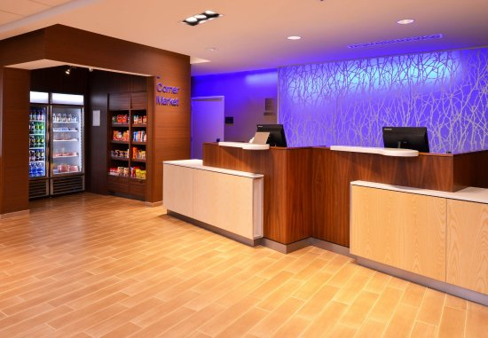 Plymouth, NH: Front Desk