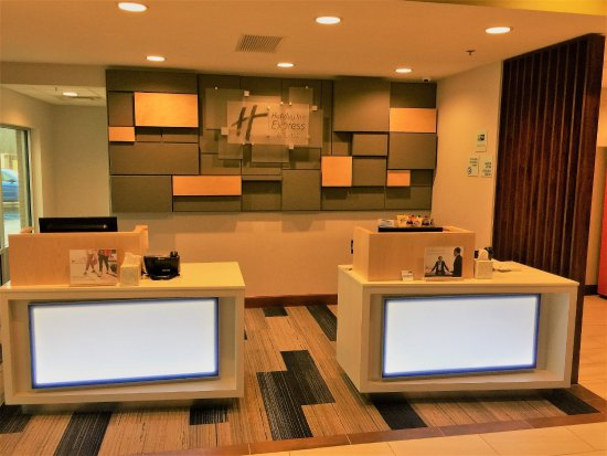 Danville, KY: Front Desk Check-In Area