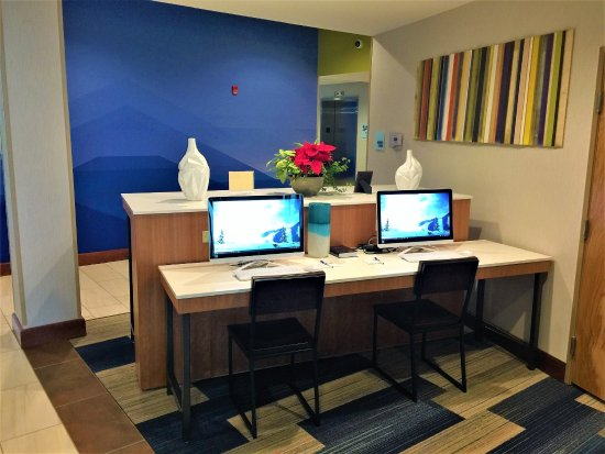 Danville, KY: Deluxe Business Center