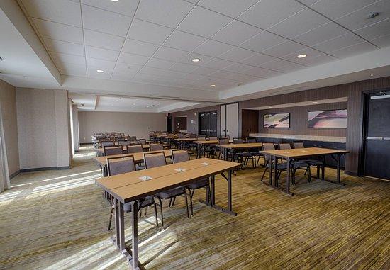 Clifton Park, NY: Meeting Room A & B - Classroom Style