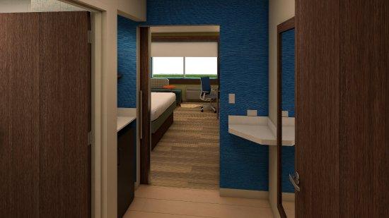 McKinney, TX: Guest Room Entryway