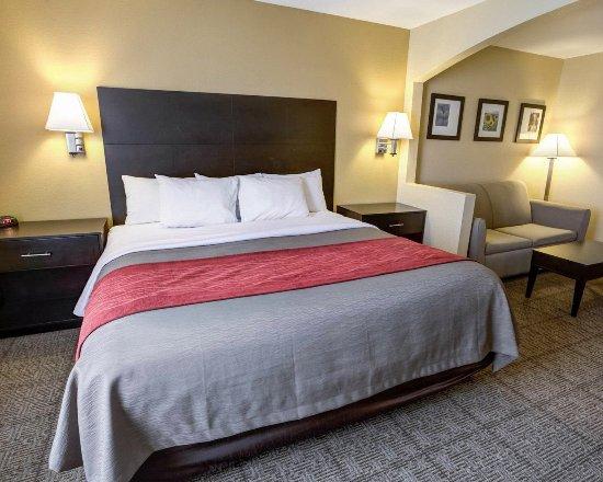 Lenexa, KS: Suites Specialty Rooms