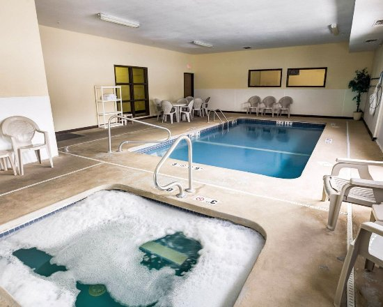Lenexa, KS: Pool