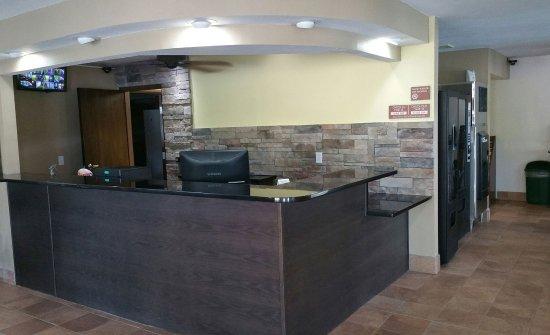 Delafield, WI: Front Desk