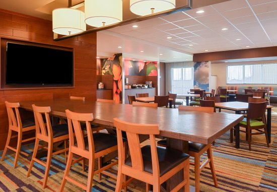 Martinsburg, WV: Dining Area - Communal Table