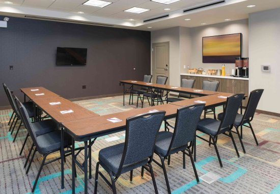 Wauwatosa, WI : Monarch Meeting Room - U-Shape Set Up