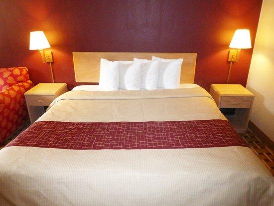 Phenix City, AL: King Bed