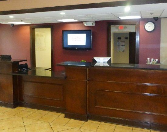 Phenix City, AL: Lobby
