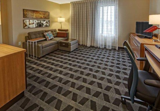 Auburn, AL: One-Bedroom Suite - Living Area