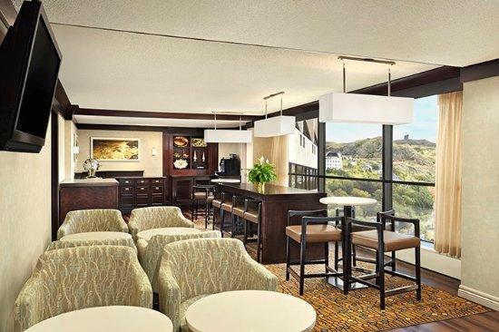Sheraton Hotel Newfoundland Club Lounge
