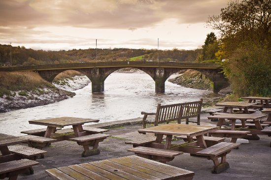 Caerleon, UK: Outside seating