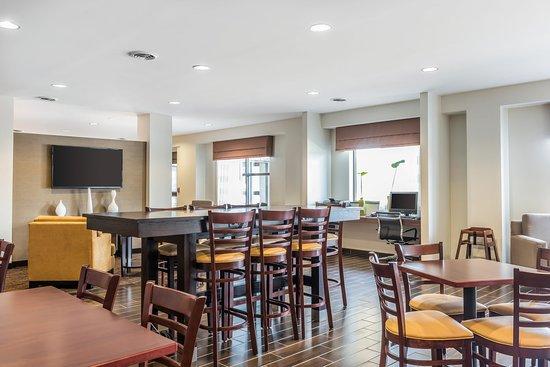 Cumberland, MD: Breakfast Area