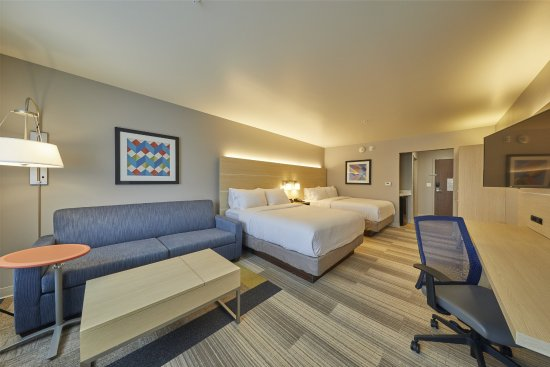Holiday Inn Express Hermiston Downtown Two Queen Suite