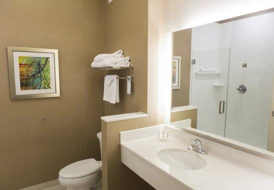 Cambridge, OH: Guest Bathroom