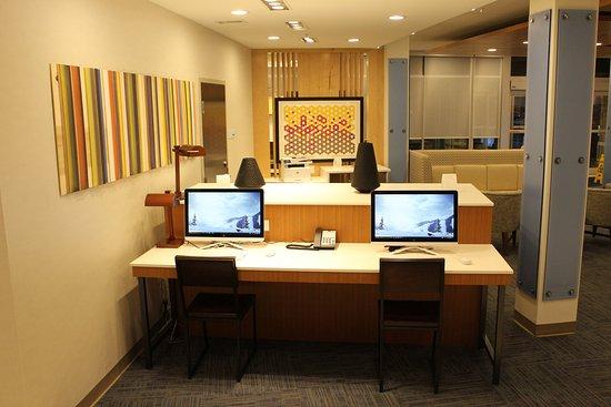 Marietta, OH: Business Center