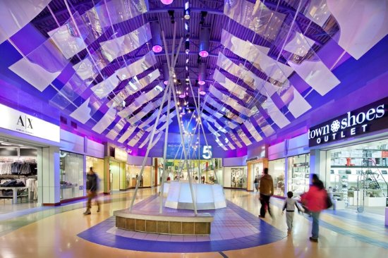 King City, Canadá: Attraction: Vaughan Mills