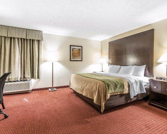 Portsmouth, OH: Standard Rooms Bedroom