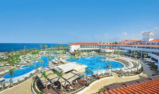 Olympic Lagoon Resort Paphos: Olympic_Lagoon_Resort_Paphos_property_area