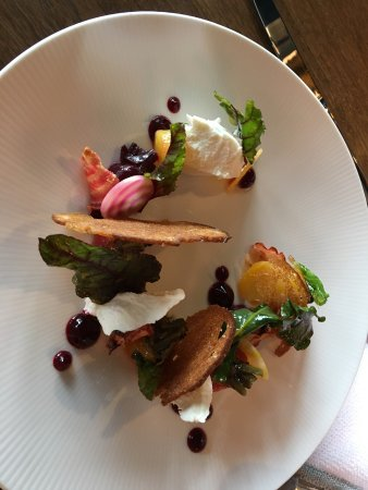 Old Windsor, UK: Beetroot with goats cheese