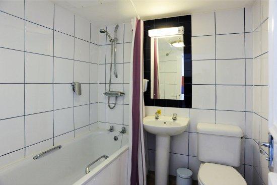 Good Night Inns Darrington Hotel: Bathroom