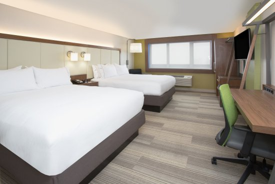 Moore, Oklahoma: Queen Bed Guest Room