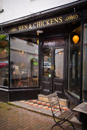 Abergavenny, UK: Hen & Chickens, A Brains pub