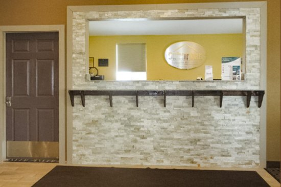 Suburban Extended Stay Hotel: Front desk