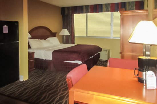Suburban Extended Stay Hotel: Guest room