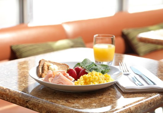 Murray, Κεντάκι: SpringHill Suites Hot Breakfast