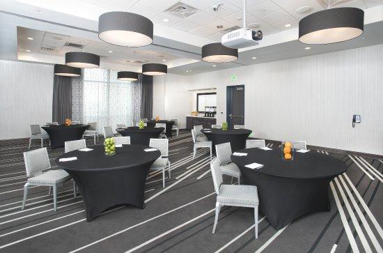 El Segundo, CA: Meeting Space