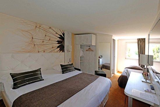 Viry-Chatillon, France: Grand lit confort