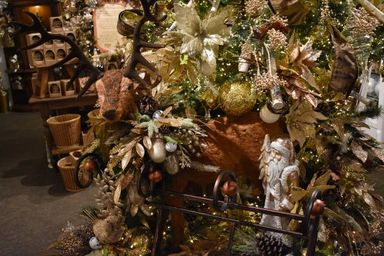 Christmas Place: Inside decorations & Inside decorations - Picture of Christmas Place Pigeon Forge ...