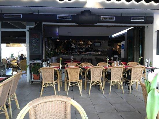 Chameli's Café & Restaurant: photo1.jpg