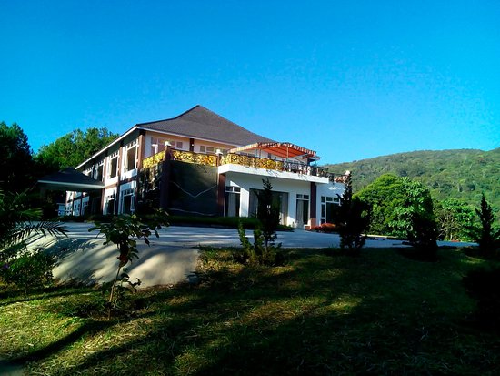 Sivananda Yoga Resort And Training Center