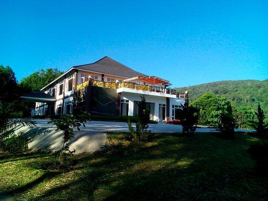 Sivananda Yoga Resort And Training Center