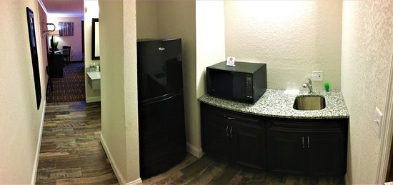 ‪‪The Lodge at Headwaters‬: Extended Stay Kitchenette‬