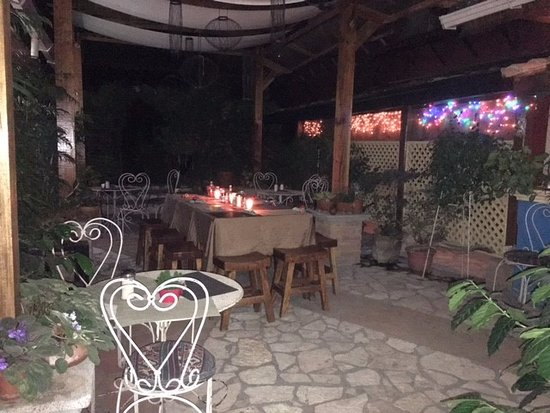 Casa Ixchel: The dinning room set up for our group dinner.