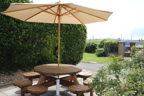 Milford Haven, UK: Outside seating