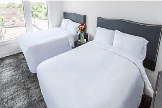 Seguin, TX: Double Beds