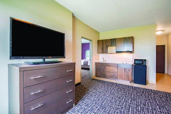 York, PA: Suite