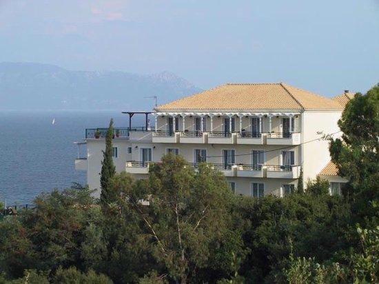 Aliki Hotel: exterior