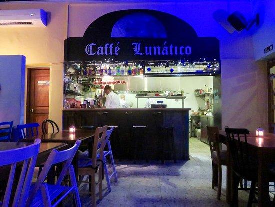 Caffé Lunático: the bar!