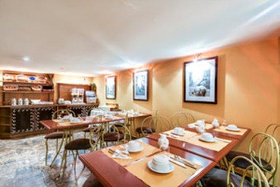 Pavillon Opera Grands Boulevards : Breakfast room