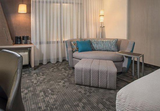 "Farmington Hills, MI: LoungeAround!"" Sofa"