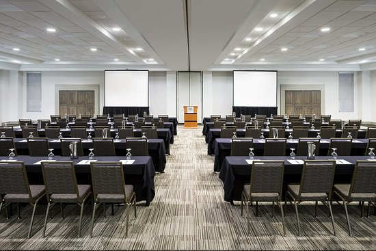West Chester, OH: Meridian Room And Classroom Setup