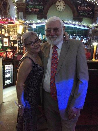 Macclesfield, UK: Landlady and Landlord, Wendy and Andy