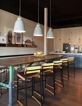 Wydown Hotel: Breakfast Station